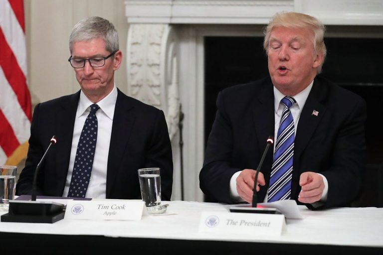 Trump calls Apple's CEO 'Tim Apple'